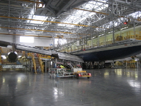 aircraft support and maintenance platform