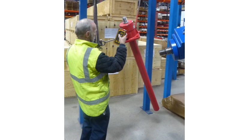 Power Jacks - Sneak Peek - Jim Packing our E-Series 50kN Screw Jack